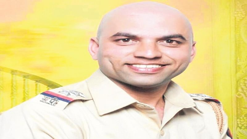 Mumbai: Cop commits suicide after booked for rape