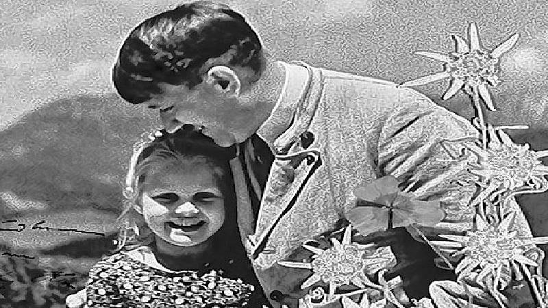 Adolf Hitler picture embracing child of Jewish grandmom sold