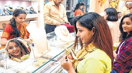 Bhopal: Diwali sales proves to be a mixed bag for different products, sellers