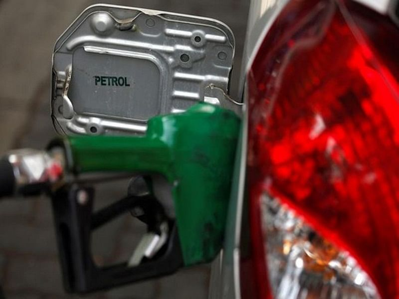 Fuel Price Hike: Fuel prices continue to rise, petrol at Rs 75.77 in Mumbai