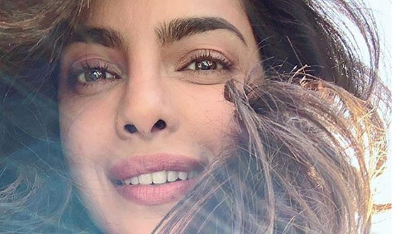 In picture! Priyanka Chopra looks stunning in this candid sun-kissed selfie