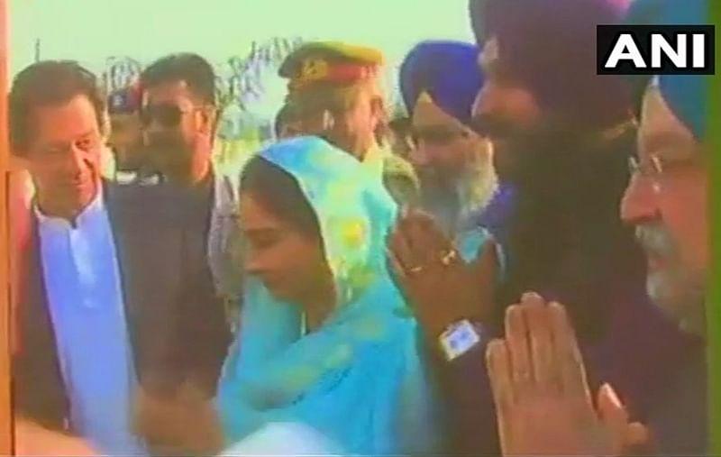Pakistan: PM Imran Khan lays foundation stone for Kartarpur corridor