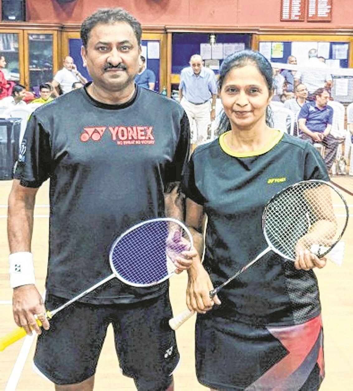 Pune shuttlers dominate