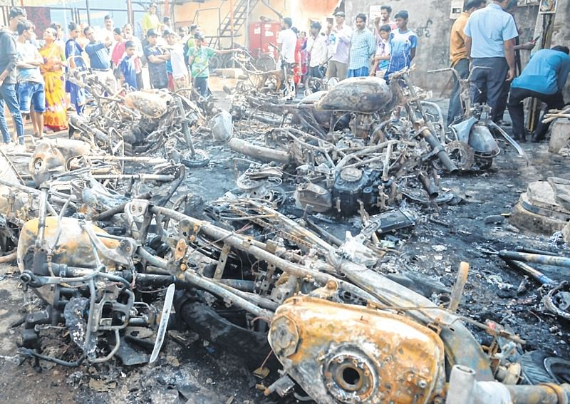 Mumbai: 17 bikes are set on fire in Sion, third such incident in 10 days