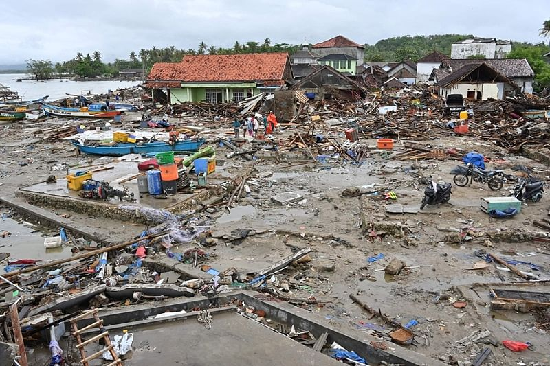 Indonesia Tsunami: Death toll rises to 429, more than 1,400 people injured
