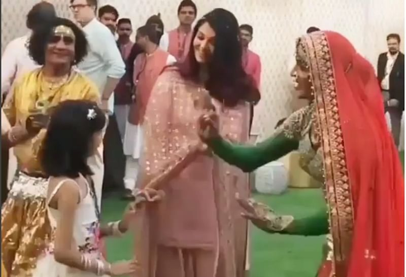 Aaradhya Bachchan matching steps with Rajasthani dancer will steal your heart; watch video