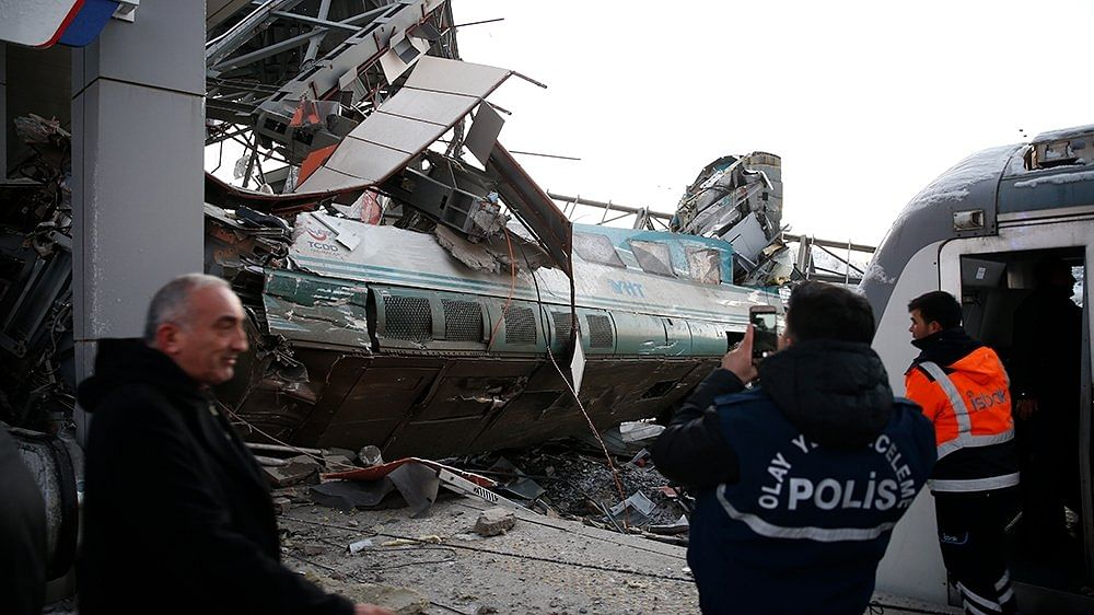 9 killed, 47 injured in Turkey train accident
