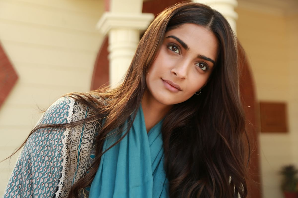 Sonam Kapoor's 'Ek Ladki Ko Dekha Toh Aisa Laga' to be part of Oscar library