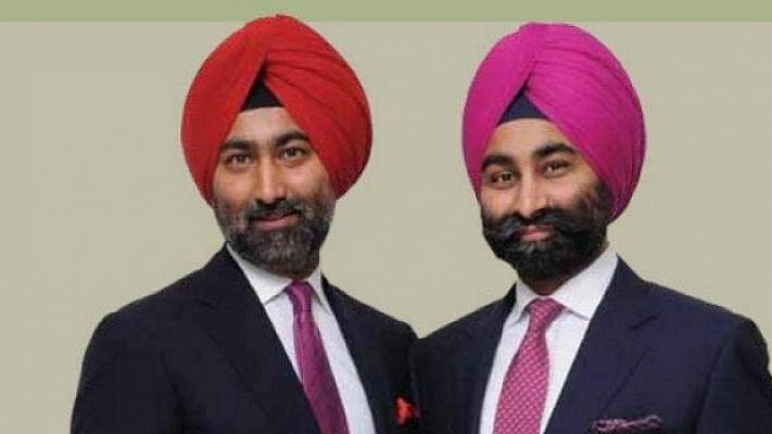 Ex-Fortis promoters Malvinder Singh and Shivinder Singh (L-R)