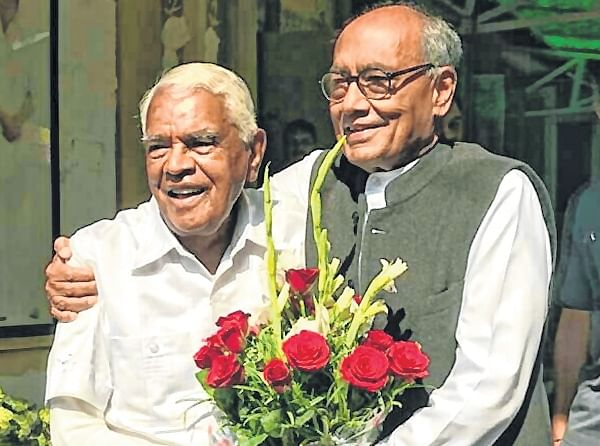 Bhopal: Two ex-CM share bonhomie at lunch