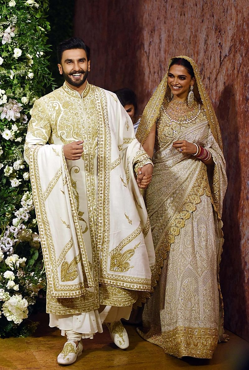 Bowled over by DeepVeer, NickYanka? Here's how to get your dream theme wedding