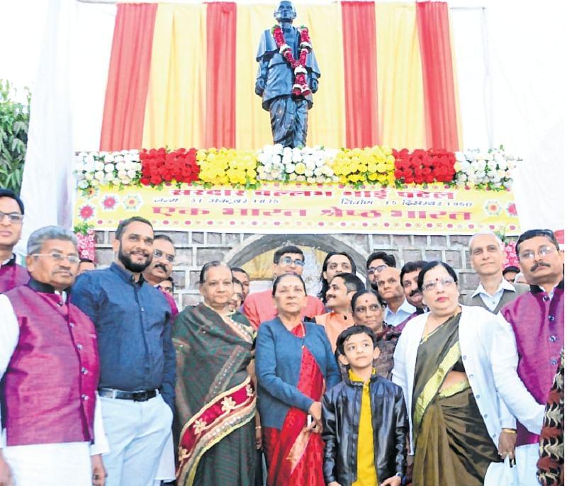 Bhopal: Anandiben Patel unveils Sardar Vallab Bhai Patel statue