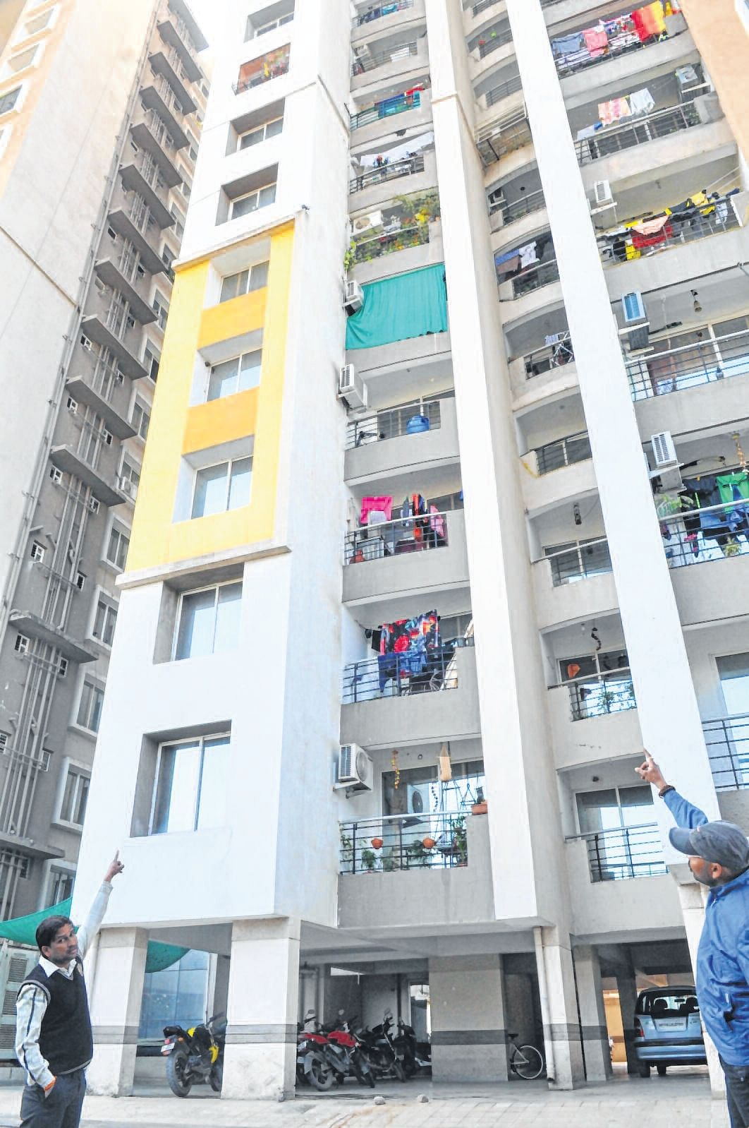 Indore: Depressed woman falls to death from 5th floor of multistorey apartment