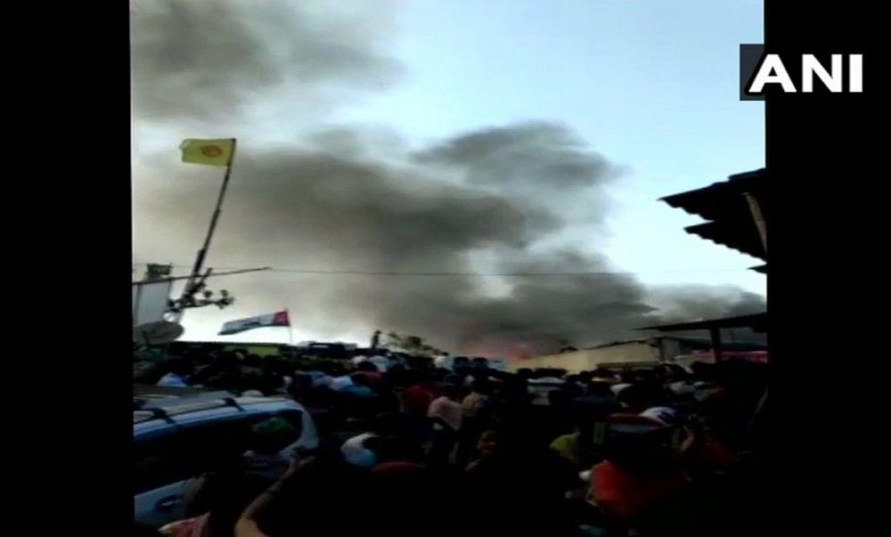Breaking: Fire breaks out in a slum in Mumbai's Malad area; 4 fire tenders at the spot