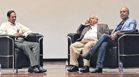 Inc men share 'elevator stories' with IIM Indore students