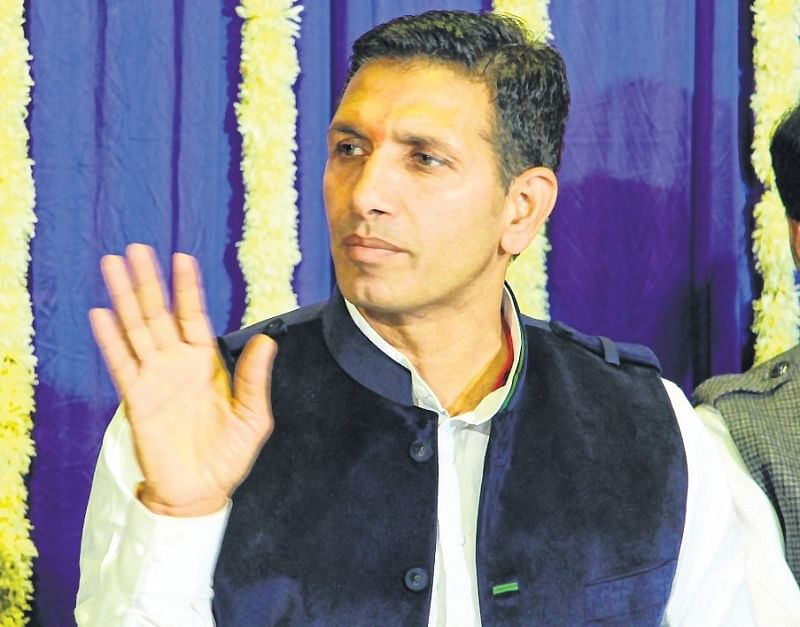 Indore: Jitu Patwari mocks BJP over promises made to legalise colonies