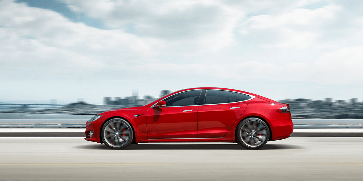 Thieves decamp with 'extra-secure' Tesla Model S car in 30 seconds flat