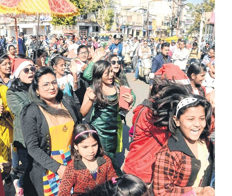 Ujjain: Christian community holds Christmas procession