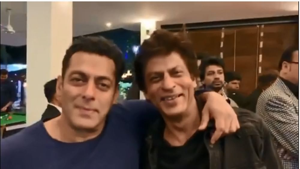 Watch Salman, SRK get all emotional while reviving  'Karan Arjun' memories