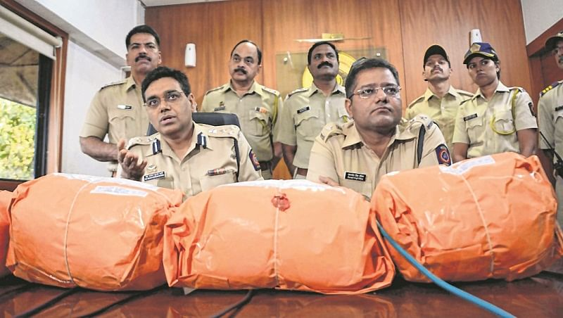 Mumbai: RS 3crore drugs seized, 2 held in Amboli