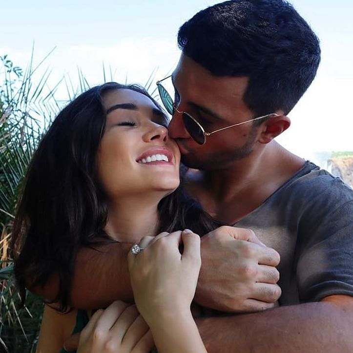 After 2 years of engagement, has Amy Jackson parted ways with George Panayiotou? Actress deletes their pics from Instagram