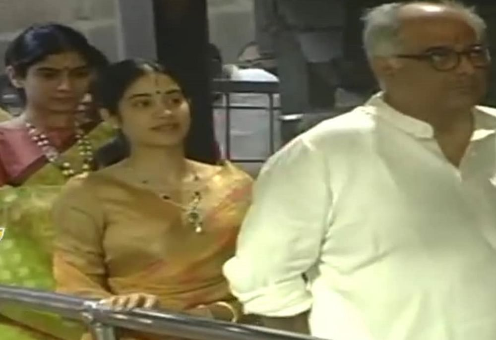 Janhvi Kapoor rings in New Year with Khushi Kapoor, Boney Kapoor at Tirumala temple