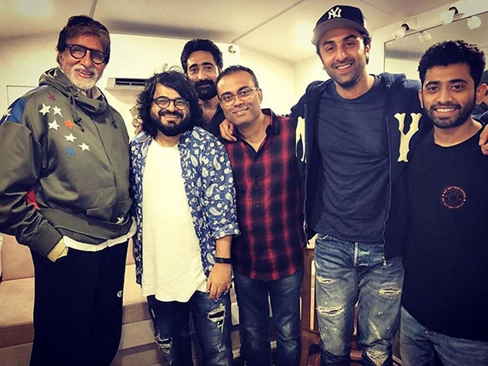 'Brahmastra' duo Ranbir Kapoor and Amitabh Bachchan are all smiles in this happy picture