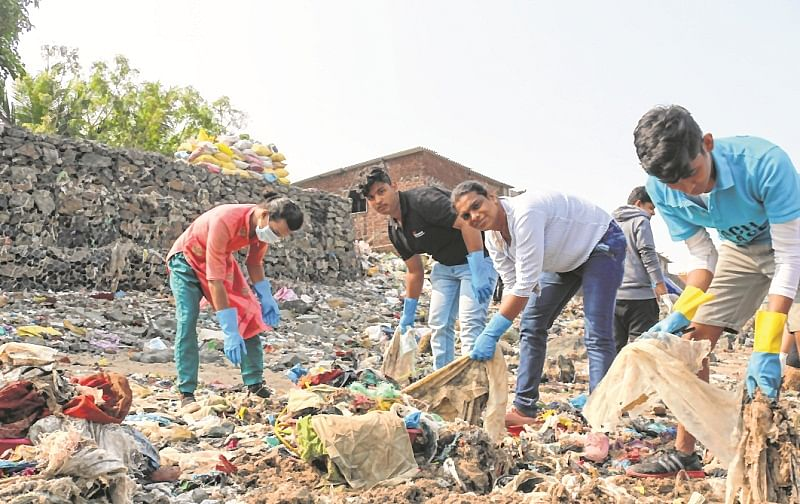 Mumbai: Transgenders, collegians join hands for Mithi River clean-up drive
