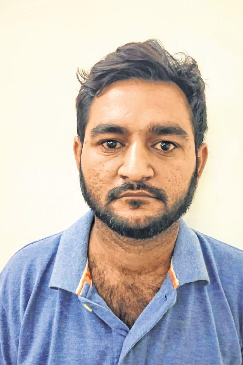 Mumbai: Chain, bag-snatcher held
