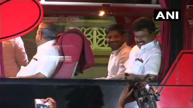 Karnataka: 4 Congress MLAs skip CLP meet, exposes chinks in ruling coalition