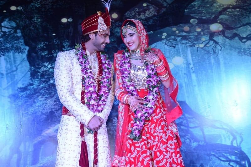 See Pictures: Rohit Purohit and Sheena Bajaj are man and wife now!