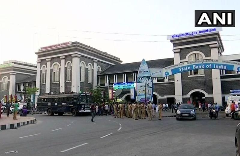 Kerala: Hartal over Sabarimala issue begins; protesters block vehicles, burnt tyres in Kozhikode