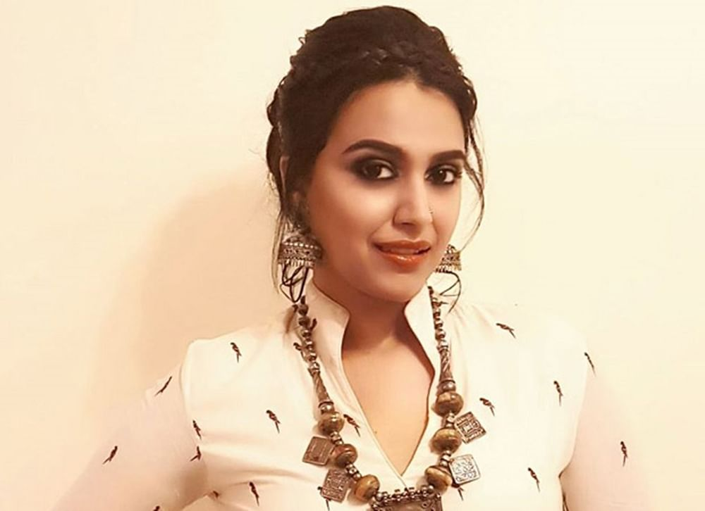 Swara Bhasker admits Dhanush starrer 'Raanjhanaa' glorified stalking