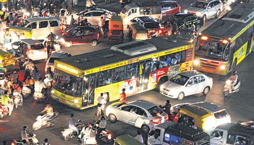 Indore: ibuses halt traffic at BRTS squares twice in one minute, say police