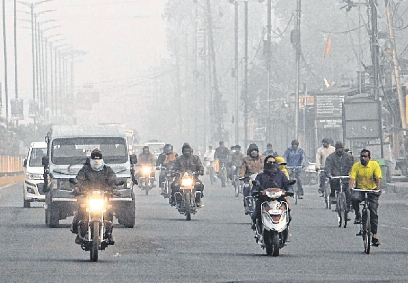 Ujjain: City wakes up to foggy morning