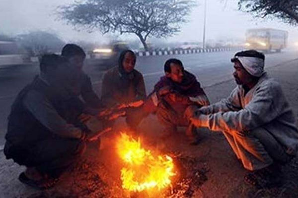 Cold morning in Delhi, minimum temperature recorded at 6.8 deg Celsius