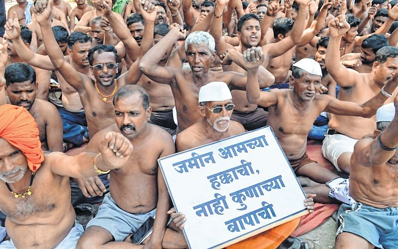 Wardrobe policing: Farmers in boxers not allowed to set foot in Mantralaya