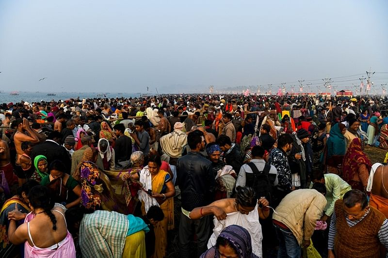 Muslims serve sharbat to Kumbh visitors