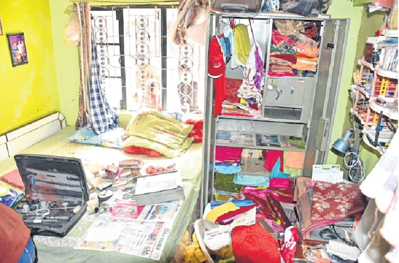 Ujjain: Thieves make away with goods worth over Rs 2Lakh
