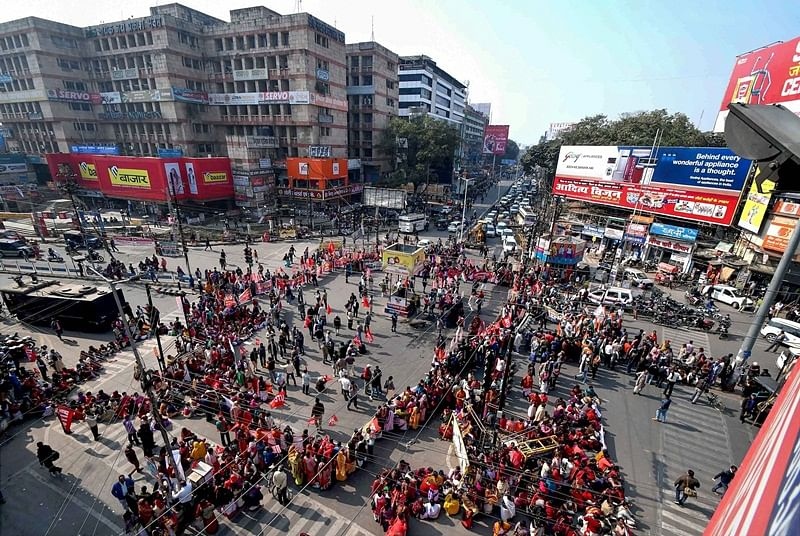 Two-day nationwide strike by central trade unions hits normal life across country