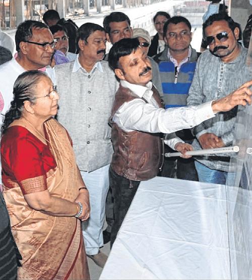 Indore: Sumitra Mahajan inspects development projects