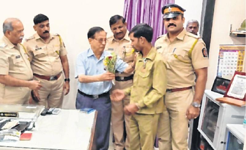 Mumbai: Juhu cops trace lost bag of Kenyan national within 30 minutes