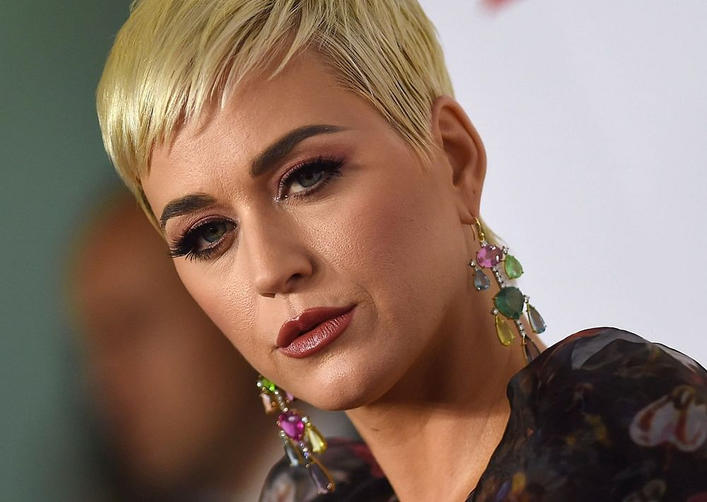 Katy Perry engaged to Orlando Bloom; check out her unique ring