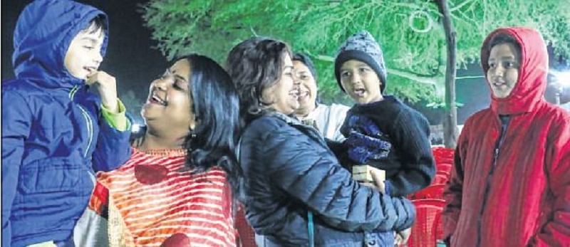 Indore: City reels under cold wave, max temp dips by 8°C