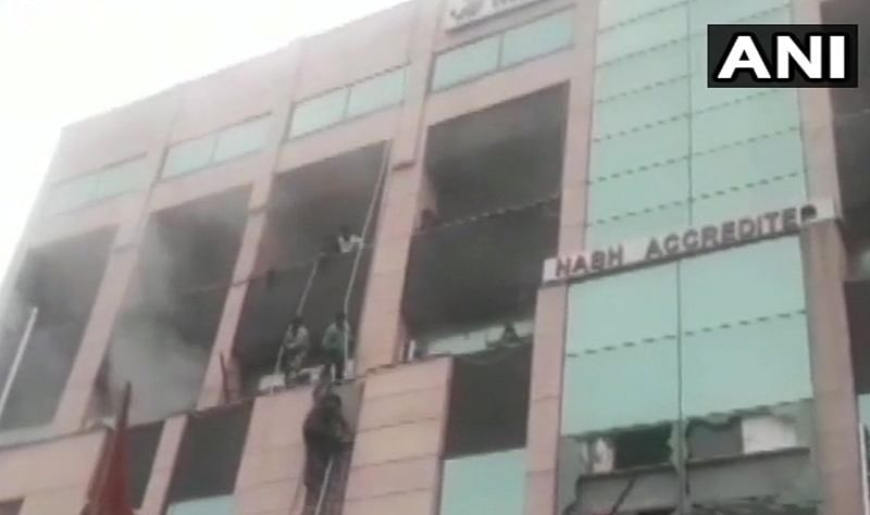 Fire breaks out in Noida's Metro Hospital, people seen jumping from building, claims report