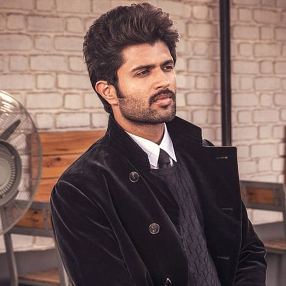 Vijay Deverakonda posts picture with his 'cute beast'