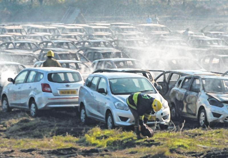 Ujjain: 5 vehicles gutted in garage fire