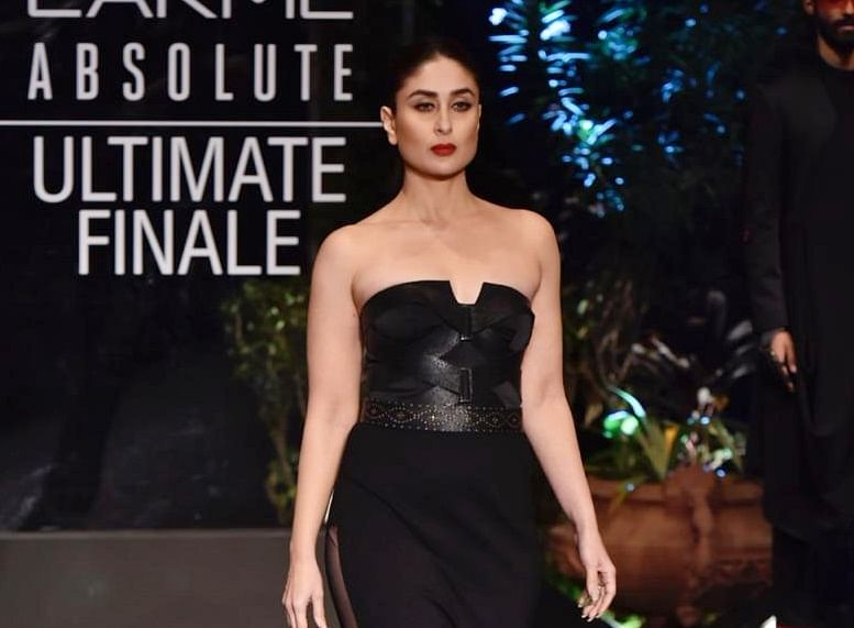 Lakme Fashion Week Finale: Kareena sports bold, glamorous avatar by Shantanu and Nikhil