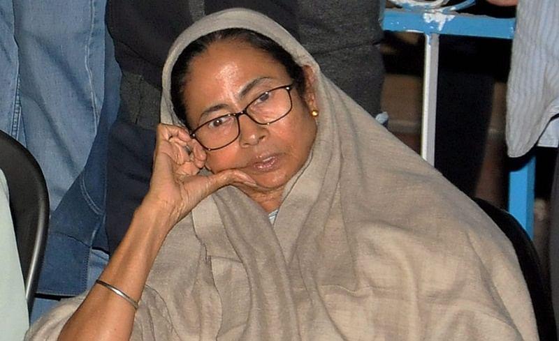 Didi vs Modi! West Bengal CM Mamata Banerjee's 'Save India' Dharna inspires hilarious online memes