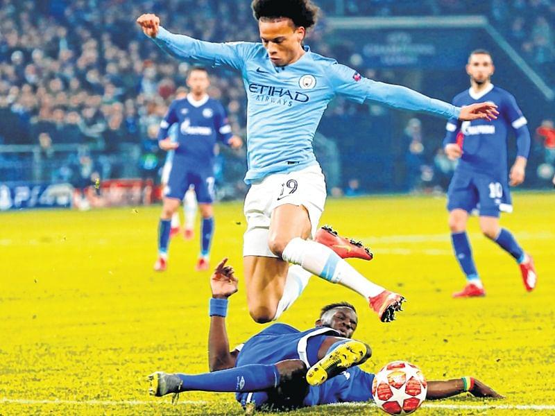Premier League: City back in hunt